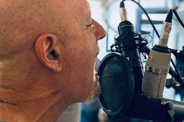 Gustavo Cordera publica la primera parte de «Libres» y el videoclip de «El Baile de la Libertad»